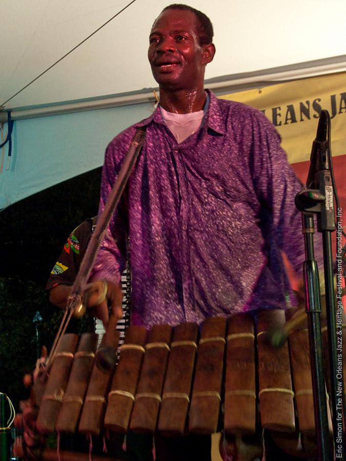 2009 Congo Square Rhythms Festival, Music, New Orleans, Seguenon Kone - Ensemble Fatien